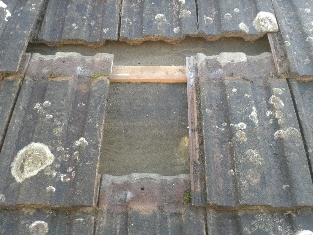 How Much Does It Cost To Replace Broken Roof Tiles