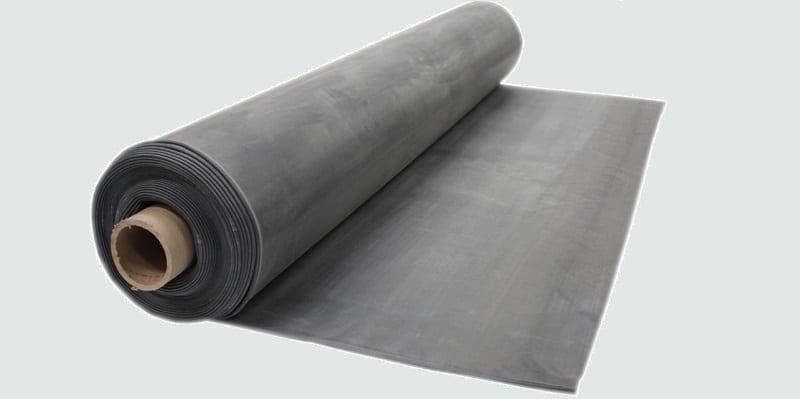 Roll of rubber membrane